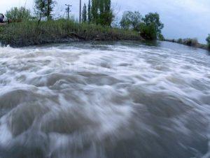Cod galben de inundaţii pe râuri din 16 judeţe