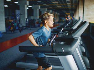 """Copiii merg în sălile de fitness în locul bazelor sportive pentru că sunt mai aproape de casă. """"Pierde sportul de performanţă pentru că la sală mergi pentru întreţinere, nu pentru performanţă."""""""